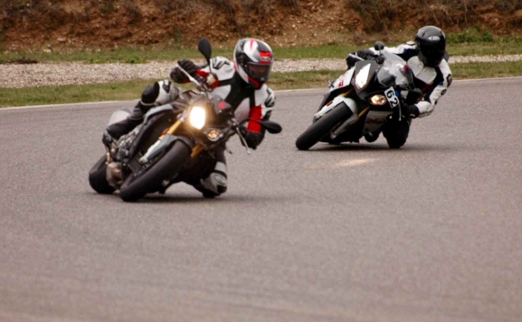 Motorrad Rennstrecken Training Konrad Bechter