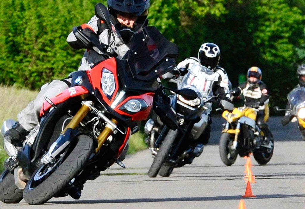 Fahrschule Motorrad Konrad Bechter 2